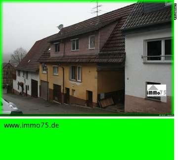 teilmodernisiertes Einfamilienhaus mit Scheune, Garten, Garagen, 75438 Knittlingen, Einfamilienhaus
